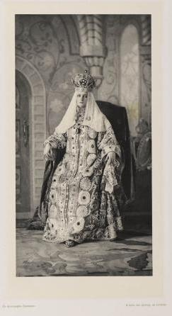 02_Winter-Palace-Costume-Ball_February-1903_Saint-Petersburg_Her-Majesty-the-Empress-Alexandra-Feodorovna_BD_8529.jpg
