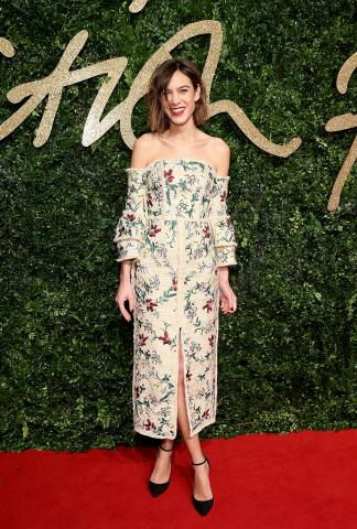Alexa_Chung_attends_the_British_Fashion_Awards_2015%2C_in_partnership_with_Swarovski_%28Mike_Marsland%2C_British_Fashion_Council%29.JPG