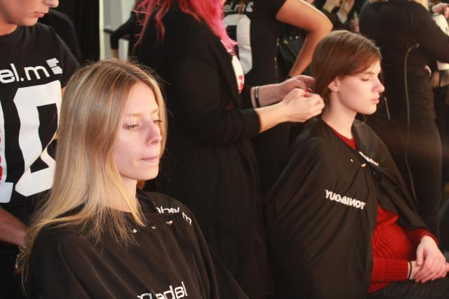 BackStage_LFW_AW15_JPB_Hair_time_for_models_A._Cliffe.JPG