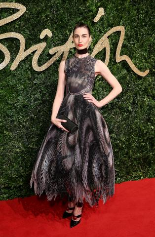Erin_O%60Connor_attends_the_British_Fashion_Awards_2015%2C_in_partnership_with_Swarovski_%28Mike_Marsland%2C_British_Fashion_Council%29.JPG