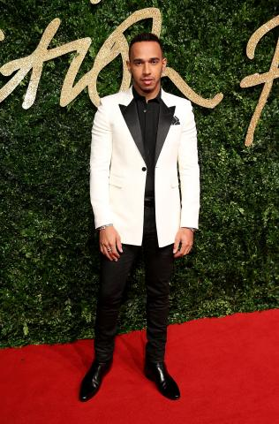 Lewis_Hamilton_MBE_attends_the_British_Fashion_Awards_2015%2C_in_partnership_with_Swarovski_%28Mike_Marsland%2C_British_Fashion_Council%29.JPG