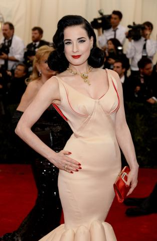 Met_2014_Dita_Von_Teese_-_Van_Cleef_%26_Arpels_-_Photo_by_Dimitrios_Kambouris_GettyImages_488322693.jpg