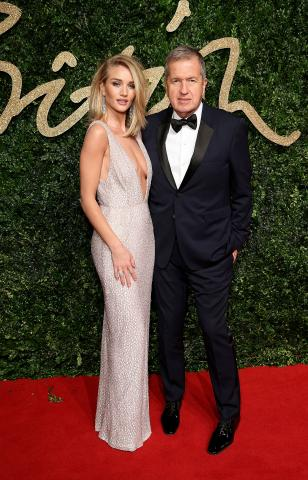 Rosie_Huntington-Whiteley_%26_Mario_Testino_attend_the_British_Fashion_Awards_2015%2C_in_partnership_with_Swarovski_%28Mike_Marsland%2C_British_Fashion_Council%29.JPG