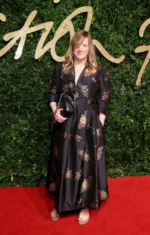 Sarah_Burton_OBE_attends_the_British_Fashion_Awards_2015%2C_in_partnership_with_Swarovski_%28Mike_Marsland%2C_British_Fashion_Council%29.JPG