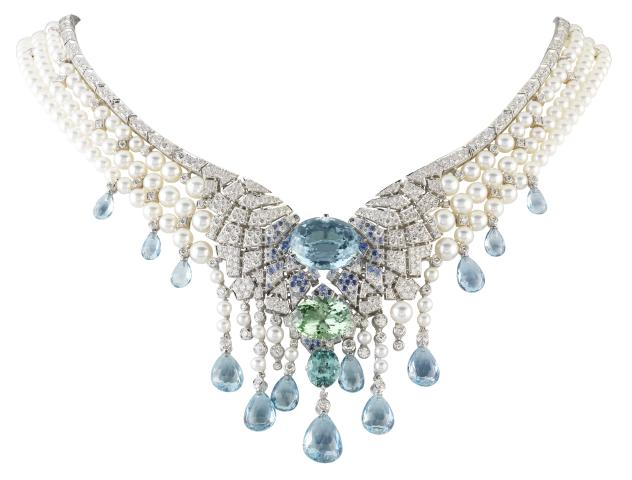 Van-Cleef-%26-Arpels_Ice-Crystals-necklace_Le-Bal-du-Palais-dhiver.jpg
