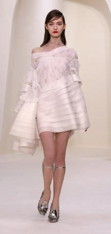 women_Dior_Couture_PE-SS2014_1.jpg